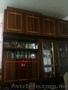Продам стенку б/у,  длина 4 м,  высота 2 м,  5 секций