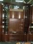 Стенка в зал , фабричная привлекательный дизайн, дутые стекла Б/У 2 года